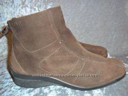 замшевые ботинки ECCO р. 39