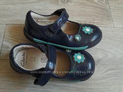 легенькие туфельки Clarks р 22. 5 6 G Кожа