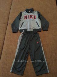 Продам спортивный костюм Nike