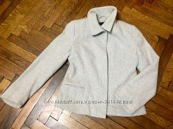 Продам шерстяное пальтишко H&M, размер М