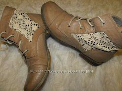 Фирменные Fiore Collection ботинки с прозрачными ажурными вставками