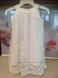 Продам нежное белое платье на девочку