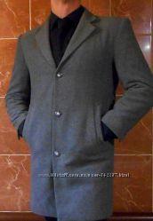 Полушерстяное пальто. 50р  Италия.