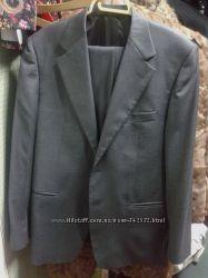 Очень красивый  фирменный  костюм для мужчины