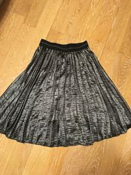 Новая юбка плиссе. Цвет графит. 38-40 евро