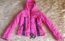 Женская короткая спортивная курточка