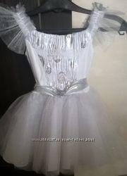 Продам платье снежинки на 3 годика