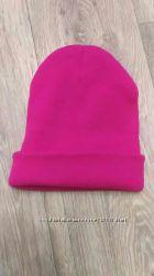 Яркая стильная новая шапочка