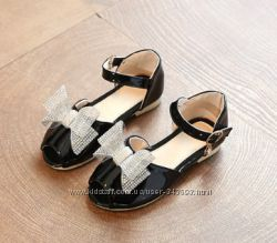 Нарядные туфельки-босоножки для девочек - бантик со стразми