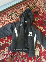 Курточка на мальчика 10-12 лет фирменная