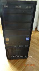 Компьютер ASUS, монитор DELL