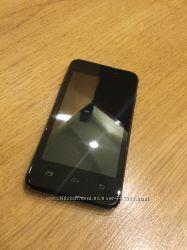 Мобильный телефон Prestigio