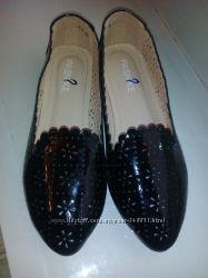 Туфли балетки с перфорацией новые