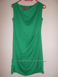 яркое зеленое платье