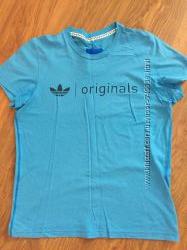 Стильная футболка Adidas originals s, была одета несколько раз