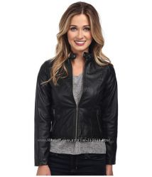 Женская куртка. Размер М реально С, США.