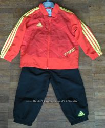Продам спортивный костюм Adidas на 2 года