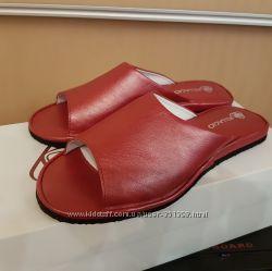 Кожаные тапочки 564 модель красные все размеры