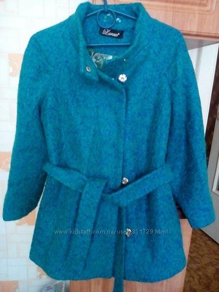 Пальто модное на размер 44-46