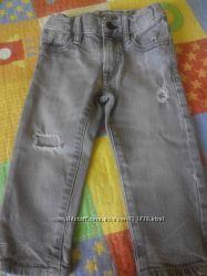 Модные джинсы с рваностями на рост 74-84см.