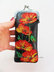 Кожаный вышитый очечник Футляр для очков Подарок женщине Чехол Маки Вышивка