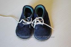 много разной обуви для деток