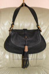 Шикарная сумочка с кисточкой из качественной натуральной кожи