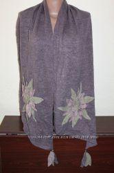 Экстравагантный шарф с апликацией , натуральная шерсть и акрил