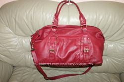 Дорожная сумка бренда  из натуральной кожиТOMMY & KATE