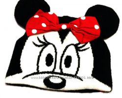 Милая шапочка от Disney