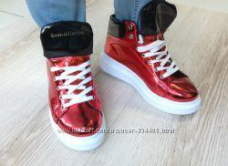 кроссовки Queen Collection лаковые красные
