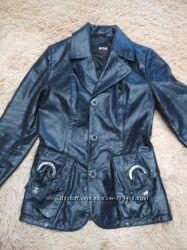 курточка-пиджачок из натуральной кожи