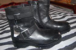 Демисезонні черевики фірми Next  Розмір 34, 5