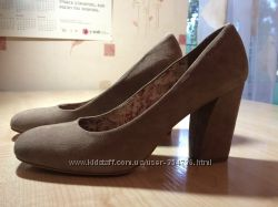 Туфли замшевые Tamaris
