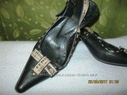 Туфли с открытой пяткой 38 размер Fendi