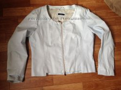 Голубая курточка из кожзама р. 52.