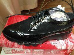 Стильные туфли на шнурках р. 38- 38, 5 по стельке 25 см  .