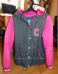 Спортивная демисезонная куртка размер М с Cropp Town  в отличном состоянии