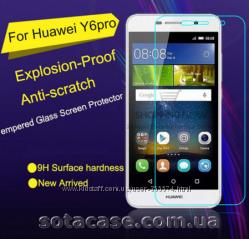 Оригинальное защитное стекло на Huawei Y6 Pro