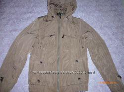 осенняя куртка р. 46 М