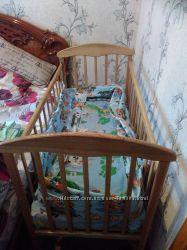 Деревянная кроватка-качалка в идеальном состоянии