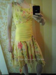 Оригинальное платье на выход, отличное состояние, р. 40-42