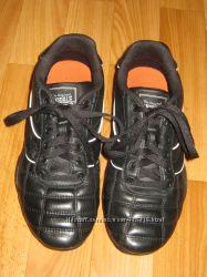 Кожаные кроссовки-футзалки Lonsdale Англия, размер 35, 5  22, 5 см