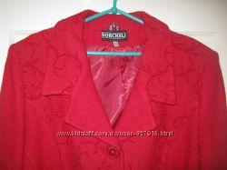 Красное демисезонное пальто