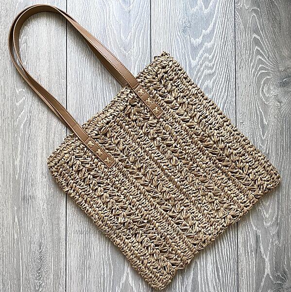 Плетёная соломенная сумка