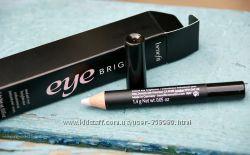 Осветляющий карандаш для глаз Benefit Eye Bright