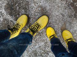 Продам модные желтые кожаные ботинки