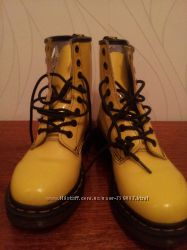 продам крутые ботинки деми для стильной мамы