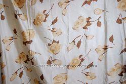 Красивая атласная ткань