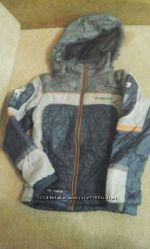 Демисезонная куртка на мальчика 7 лет